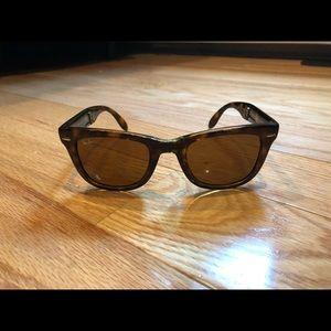 bb761e9506 Men s Ray Ban Folding Sunglasses on Poshmark
